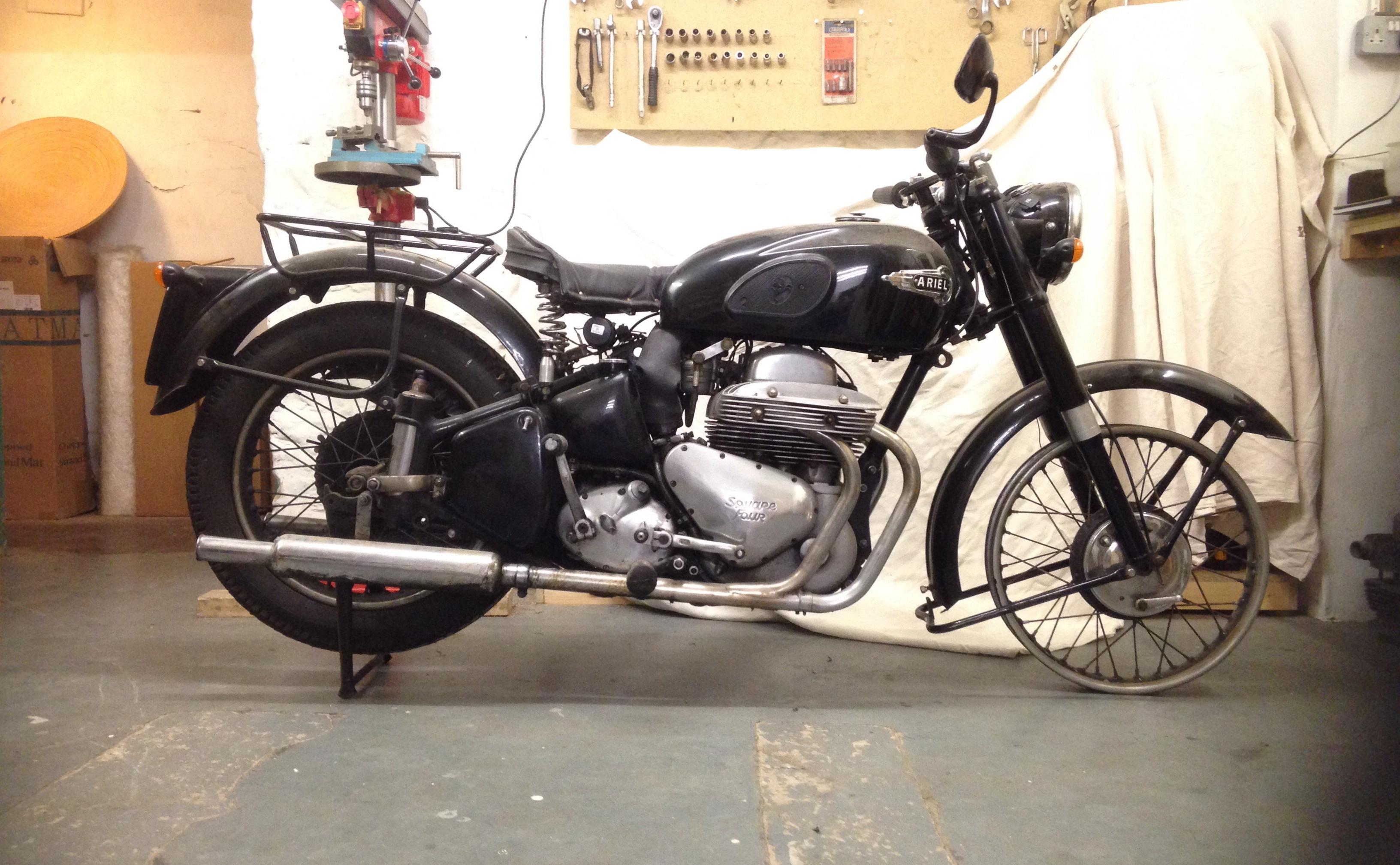 1953 Mk2 Ariel Sq4