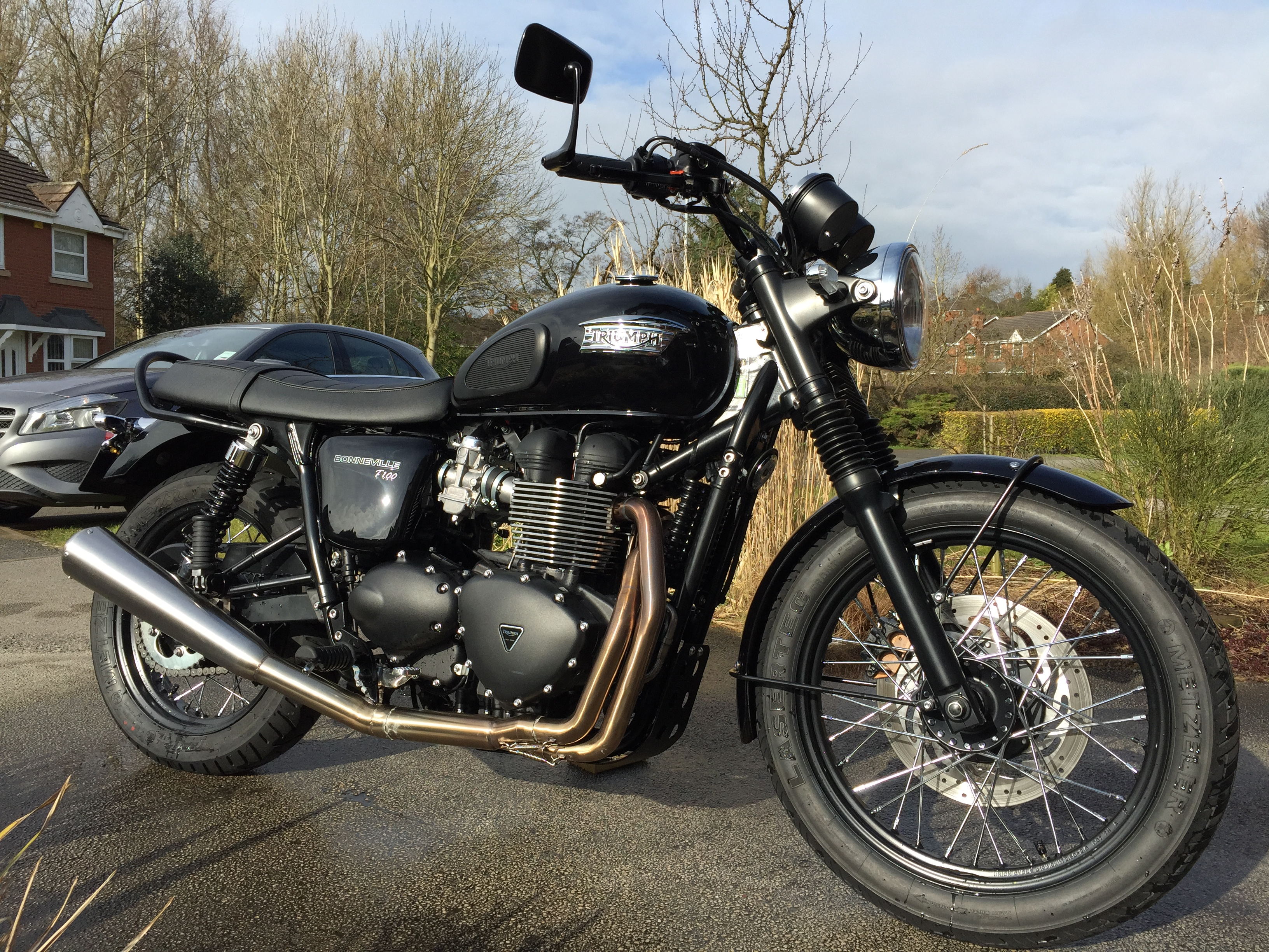 Triumph Bonneville with Napoleon Bar End Mirror